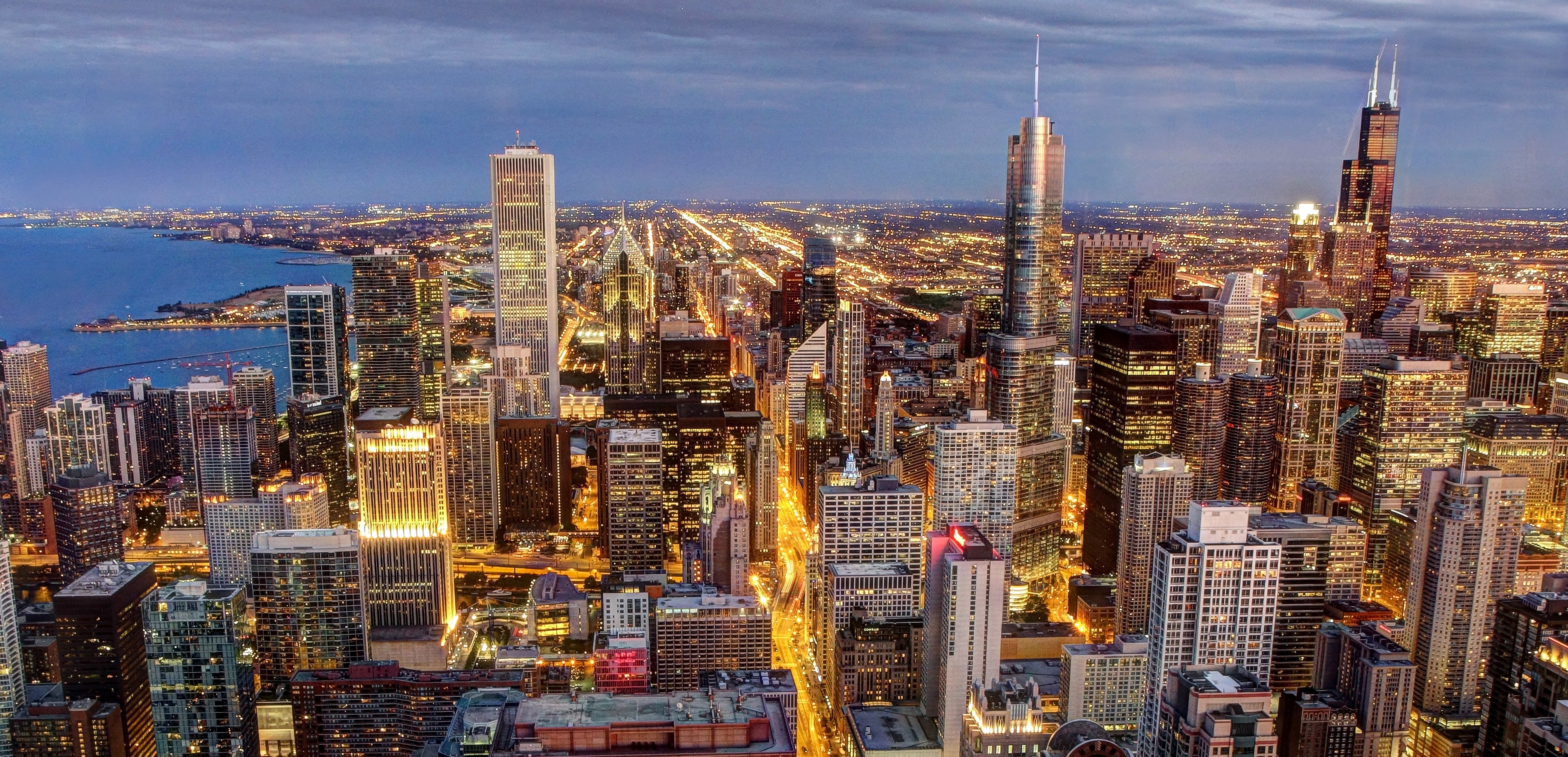 Chicago_skyline_viewed_from_John_Hancock_Center.jpg
