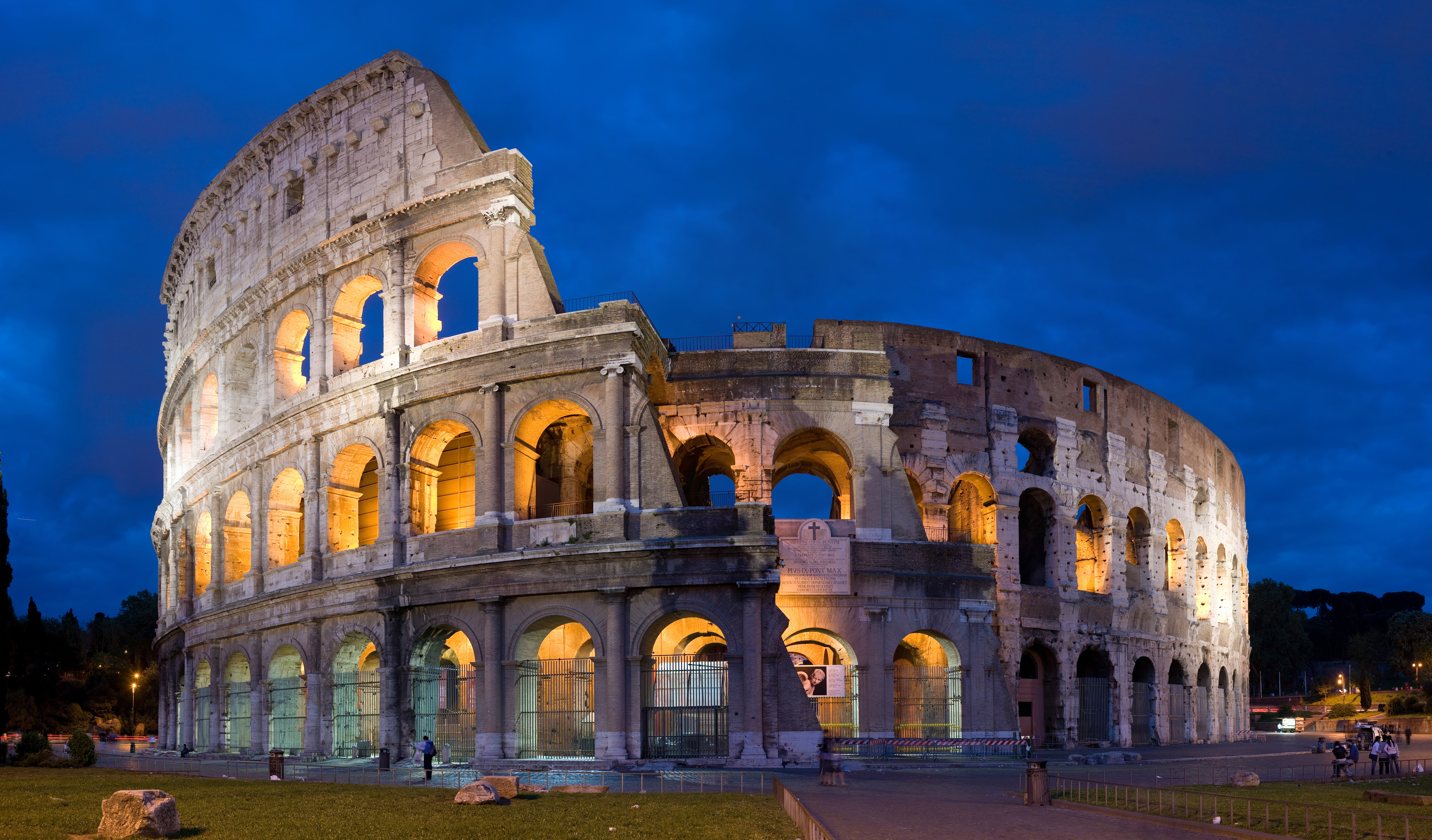 Colosseum_in_Rome_Italy.jpg